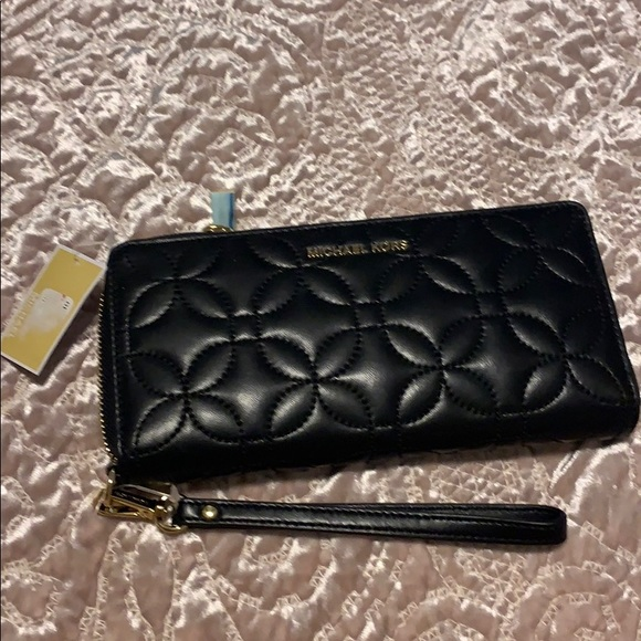 109573081688 Michael Kors Bags | Quilted Floral Travel Cont Wallet | Poshmark